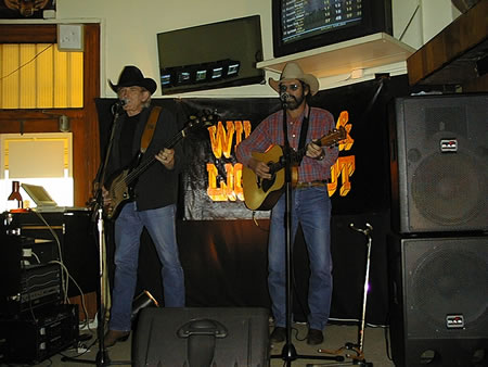 Wilson and Lightfoot Live at Woodys Greendoof Hotel